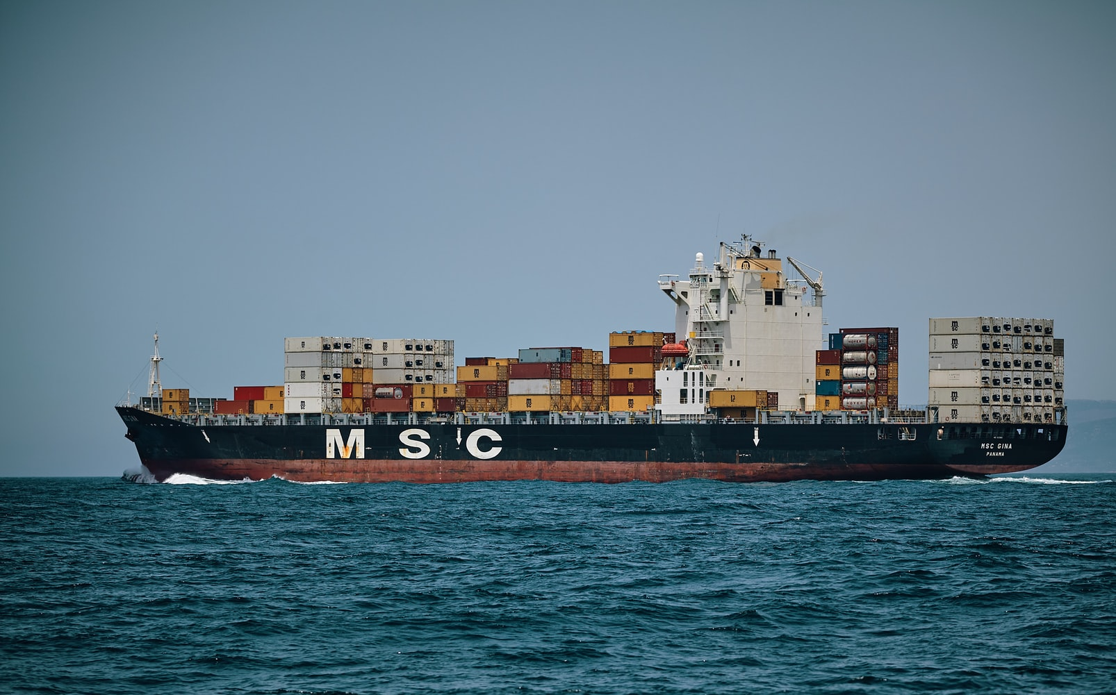 Ship carrying Containers